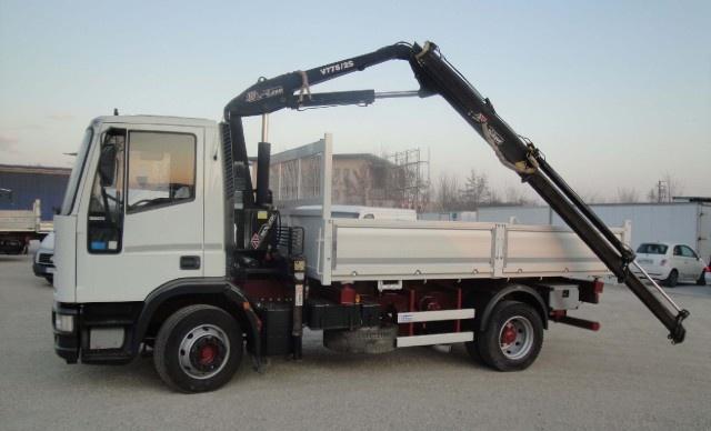 IVECO Eurocargo 120E23 con gru e ribaltabile Immagine 4