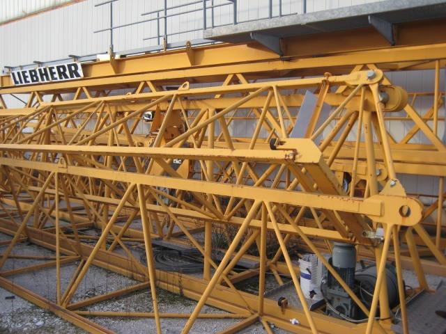 LIEBHERR 30LC-anno2006 h24 braccio35 A TORRE Immagine 3