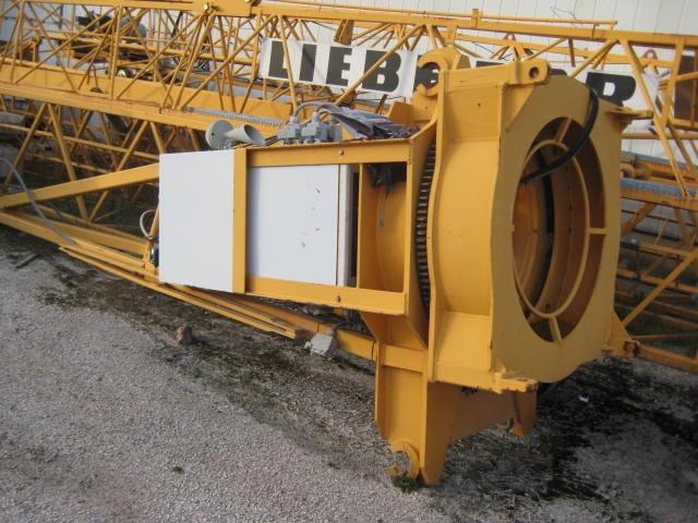 LIEBHERR 30LC-anno2006 h24 braccio35 A TORRE Immagine 2