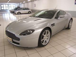 Annunci Aston Martin V8