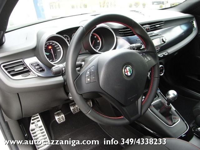 ALFA ROMEO Giulietta 2.0 JTDm-2 140 CV EXCLUSIVE PRONTA CONSEGNA Immagine 2