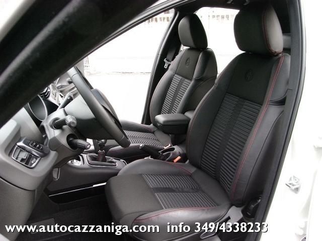 ALFA ROMEO Giulietta 2.0 JTDm-2 140 CV EXCLUSIVE PRONTA CONSEGNA Immagine 4