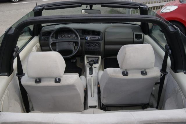 VOLKSWAGEN Golf Cabriolet 2.0 i AUTOMATICO Immagine 3