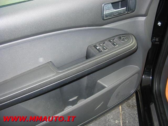 FORD Focus C-Max 1.8 TDCi (115CV) Ghia Immagine 4