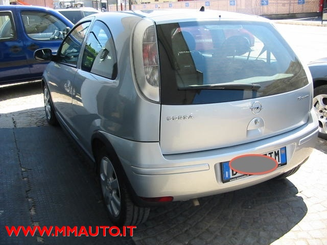 OPEL Corsa 1.2i 16V cat 3 porte Silverline!!!!! Immagine 4