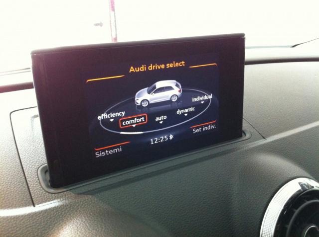 AUDI A3 SportBack 2.0 TDI STronic  Ambition Immagine 4