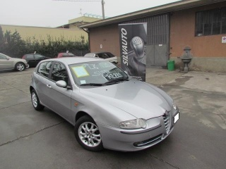 Alfa romeo 147 usato 1.6i 16v twin spark cat 5p. distinctive