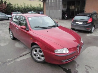 Alfa romeo 147 usato 1.6i 16v t.s. (105 cv) cat 5p. prog.