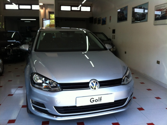 VOLKSWAGEN Golf 1.6 TDI DSG 5p. Highline BlueMotion *NUOVA* Immagine 3