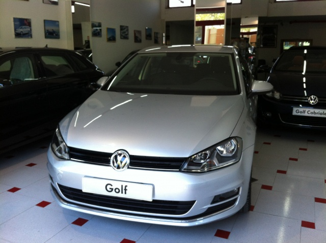 VOLKSWAGEN Golf 1.6 TDI DSG 5p. Highline BlueMotion *NUOVA* Immagine 0