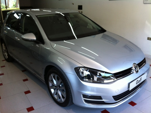VOLKSWAGEN Golf 1.6 TDI DSG 5p. Highline BlueMotion *NUOVA* Immagine 1