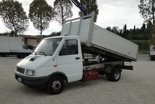 IVECO Daily 35.10 cassone Ribaltabile Trilaterale