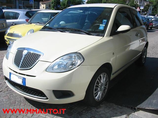 LANCIA Ypsilon 1.3 MJT 90 CV Oro Bianco!!!! Immagine 4