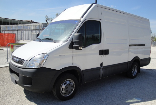 IVECO Other Daily LH2  35 C 13 HPI 2.2 130 CV Pneumatico