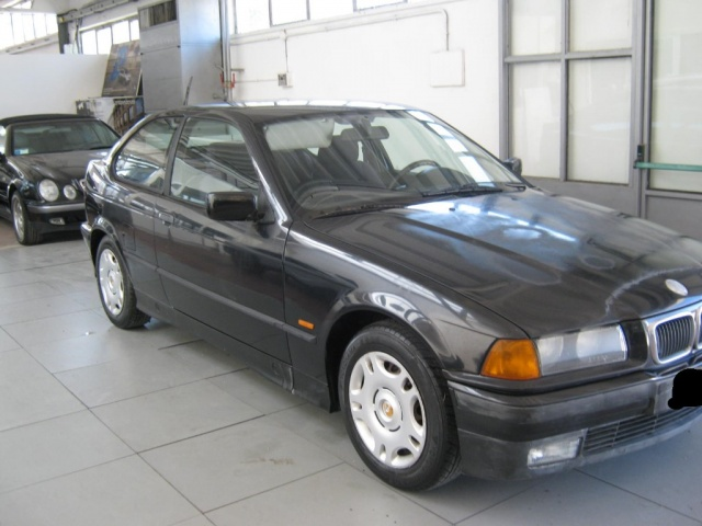 BMW 318 tds turbodiesel cat Compact Immagine 0