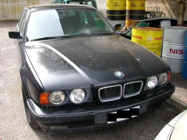 BMW 525 tds turbodiesel cat Touring Attiva Immagine 0