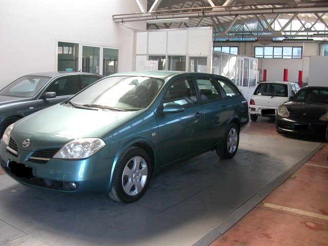NISSAN Primera 1.8 16V cat Station Wagon Acenta Immagine 2