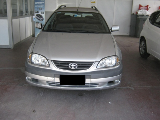 TOYOTA Avensis 2.0 Tdi D-4D cat Station Wagon Immagine 0