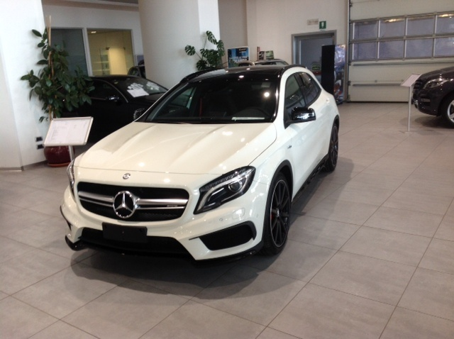 MERCEDES-BENZ GLA 45 AMG 4Matic Immagine 0