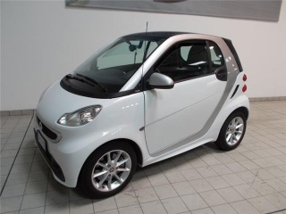 Smart fortwo usato 1000 52 kw mhd coupé passion