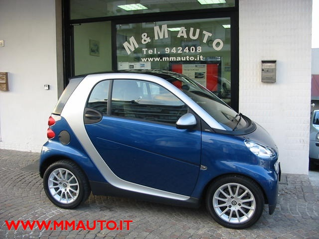 SMART ForTwo 1000 52 kW MHD coupé passion!!!! Immagine 0