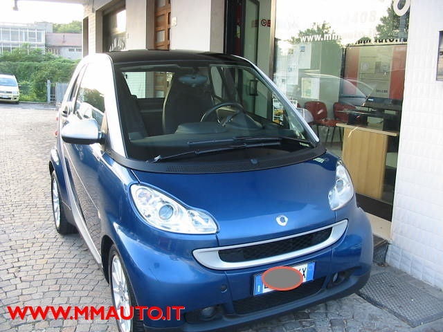 SMART ForTwo 1000 52 kW MHD coupé passion!!!! Immagine 1