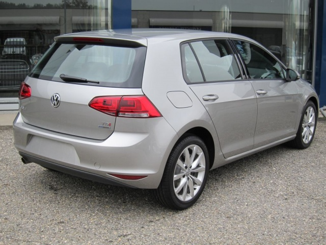 VOLKSWAGEN Golf VII 2.0 TDI 150cv HIGHLINE 5P IN PRONTA CONSEGNA Immagine 1