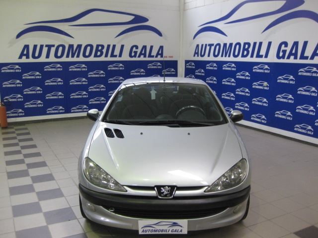 PEUGEOT 206 1.6 16v CC Enfant Terrible EURO 3 Immagine 4