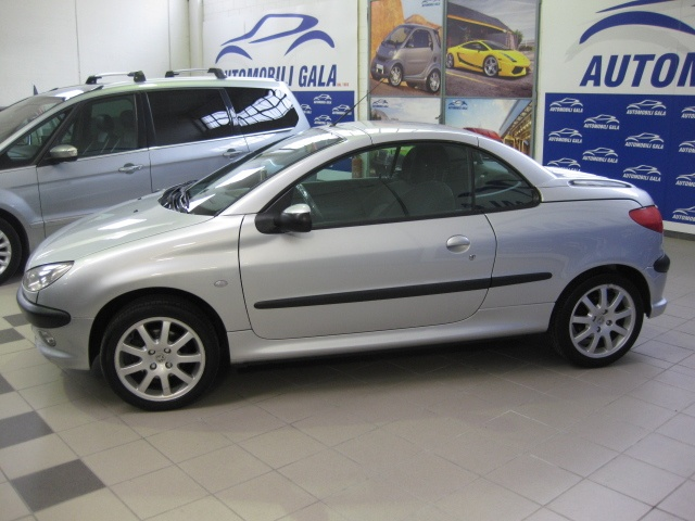 PEUGEOT 206 1.6 16v CC Enfant Terrible Immagine 3