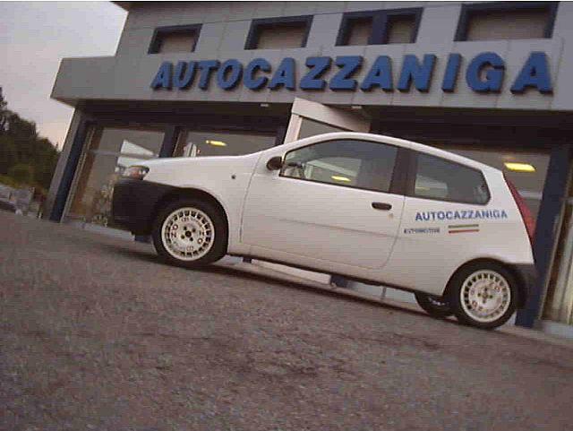 FIAT Punto 1.2 60 CV PRATICAMENTE NUOVA Immagine 2