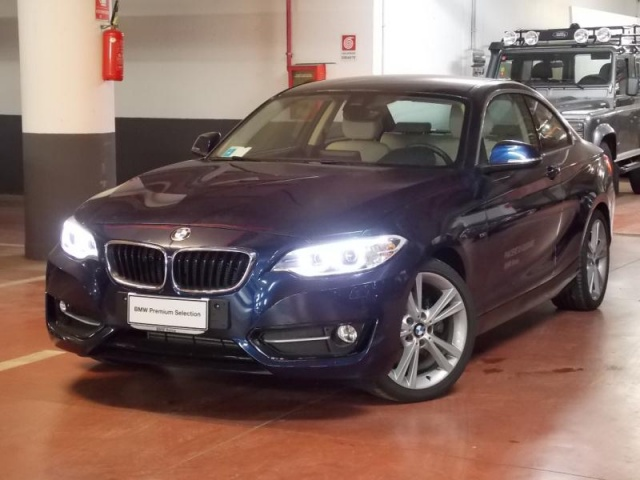BMW 220 d Coupé Sport Immagine 0