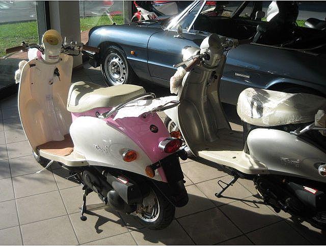 MOTOS-BIKES Gilera scooter garelli mod capri nuovi  50 4 tempi Immagine 2