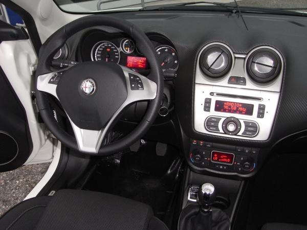 ALFA ROMEO MiTo 1.4 Turbobenzina 155cv PROGRESSION/DISTINCTIVE Immagine 2