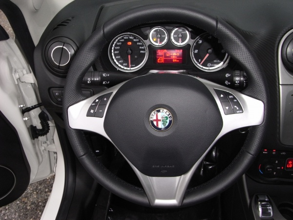 ALFA ROMEO MiTo 1.6 JTDM 120cv PROGRESSION/DISTINCTIVE Immagine 2