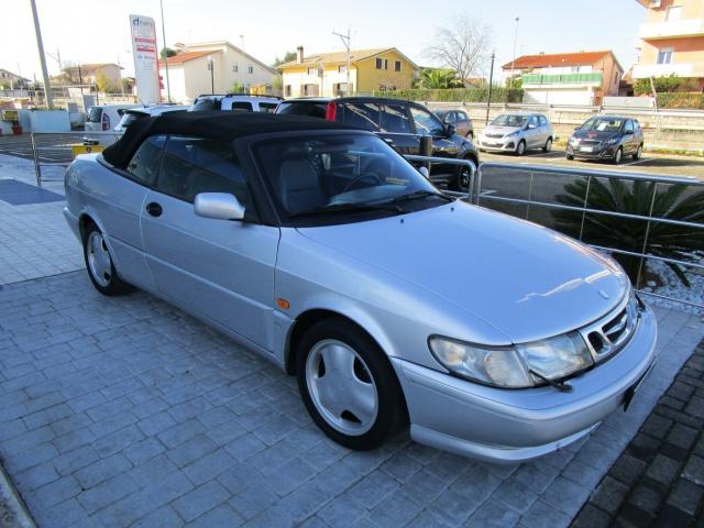 SAAB 900 2.0i turbo 16V cat Cabriolet SE Immagine 0
