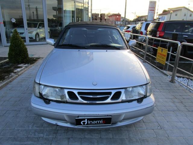 SAAB 900 2.0i turbo 16V cat Cabriolet SE Immagine 3