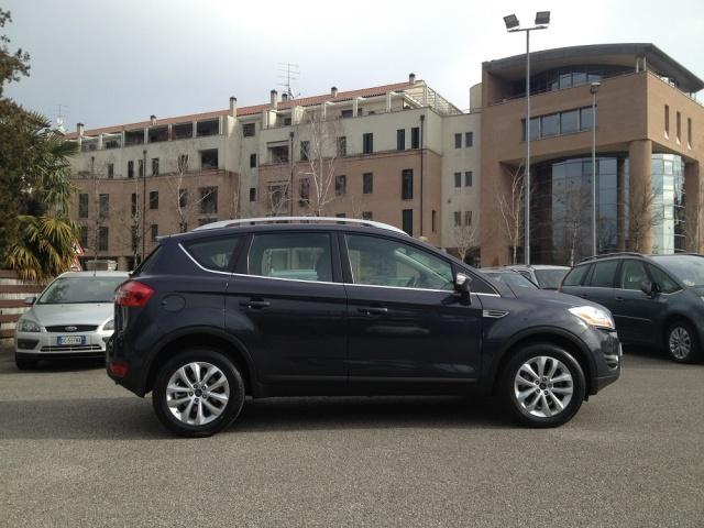 FORD Kuga 4X4 FULL OPTIONAL Immagine 3
