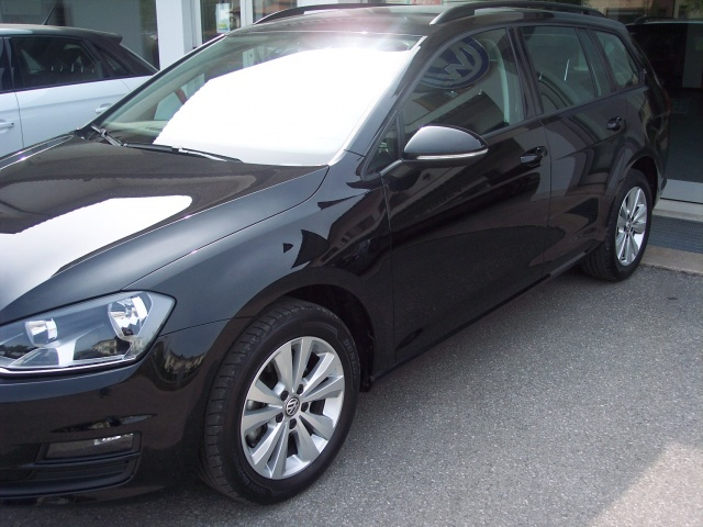VOLKSWAGEN Golf Variant 1.6 TDI 105 CV Comfortline BlueMotion Tech. Immagine 1