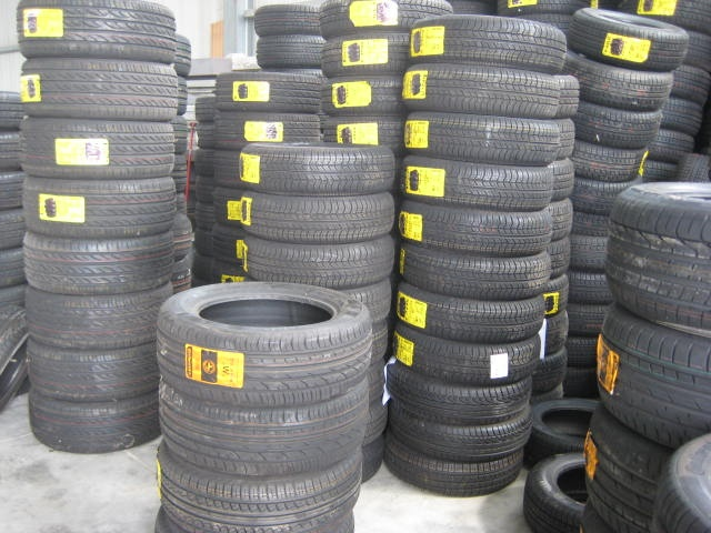 OTHERS-ANDERE OTHERS-ANDERE STOCK DI PNEUMATICI PIRELLI/CONTINENTAL Immagine 0
