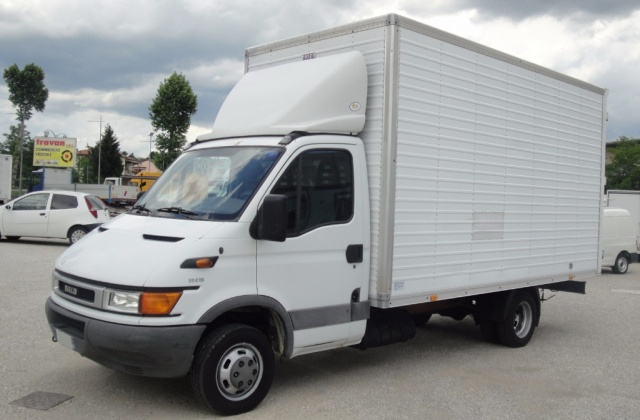IVECO Daily FURGONE IN LEGA