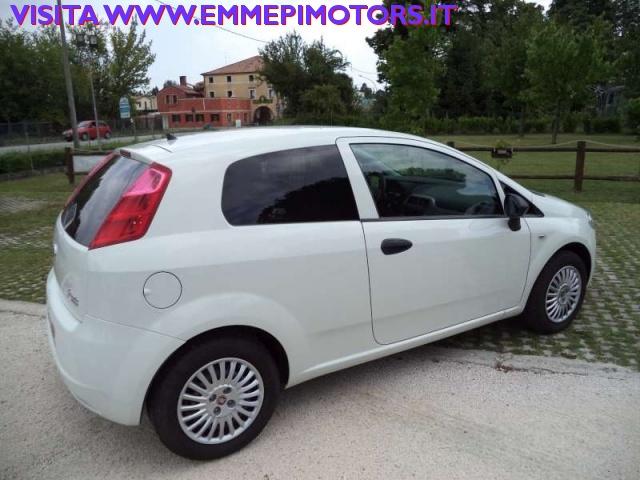 FIAT Grande Punto 1.4 GPL 3p.Van Actual 2p.ti Immagine 2