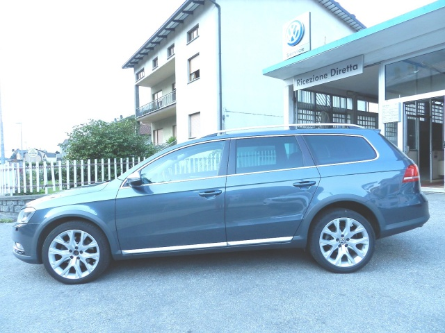 VOLKSWAGEN Passat Alltrack 2.0 TDI DSG 4motion BlueMotion Tech. Immagine 2