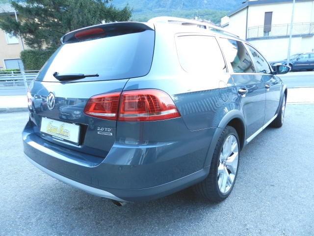 VOLKSWAGEN Passat Alltrack 2.0 TDI DSG 4motion BlueMotion Tech. Immagine 4