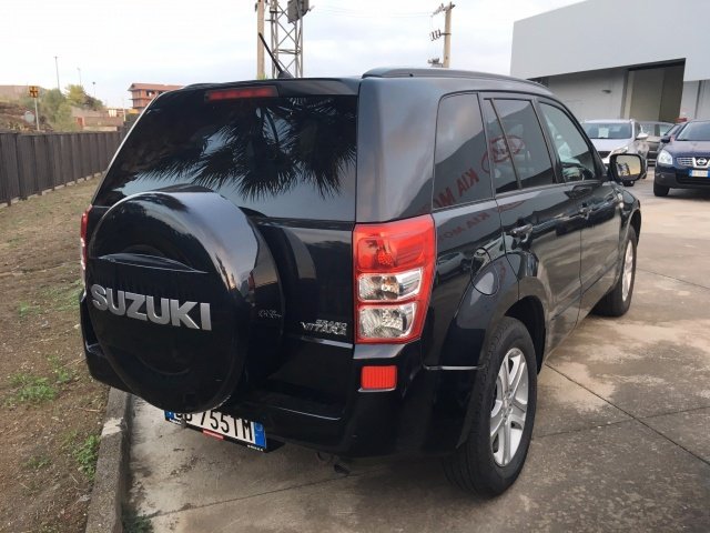 SUZUKI Grand Vitara 1.9 DDiS 5p 4WD Executive Immagine 2