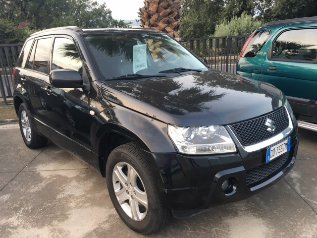 SUZUKI Grand Vitara 1.9 DDiS 5p 4WD Executive Immagine 0