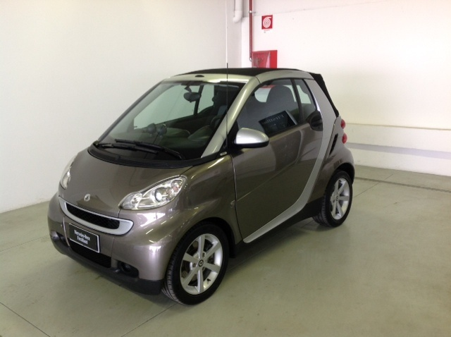 SMART ForTwo 1000 62 kW cabrio pulse Immagine 0
