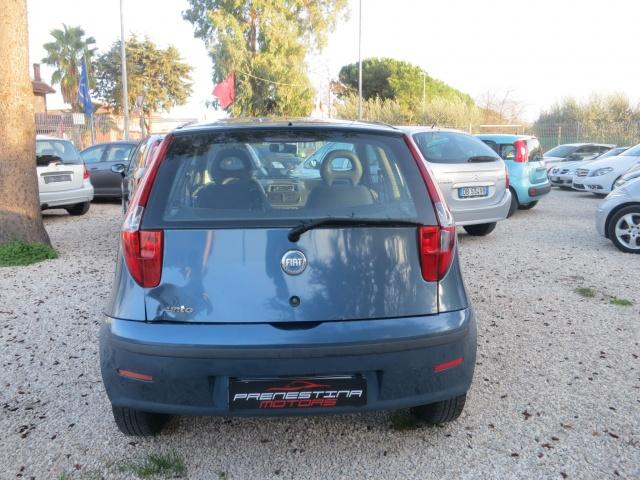 FIAT Punto 1.2i cat 3 porte ELX Immagine 2