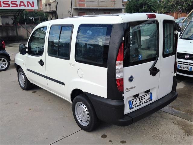 FIAT Doblo Doblò 1.9 JTD 5 posti autocarro Motore km 200.000 Immagine 1