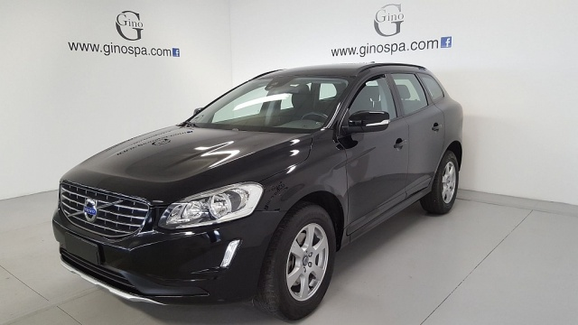 VOLVO XC60 D4 Kinetic Immagine 0