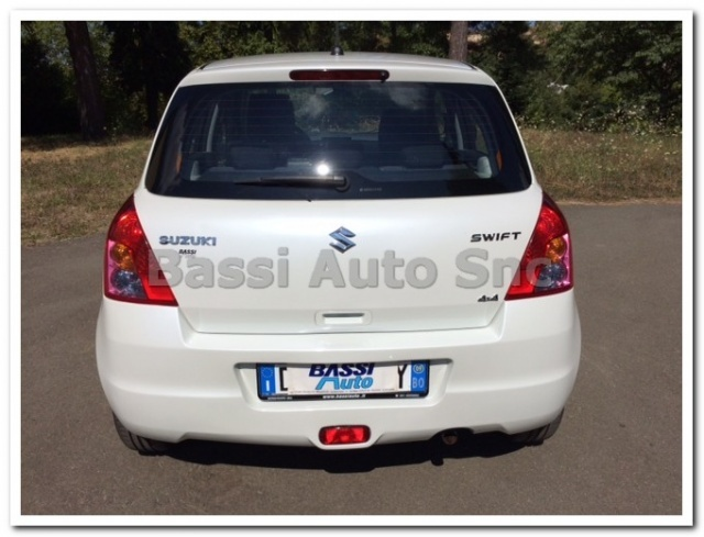 SUZUKI Swift 1.3 4x4 5p. GL Immagine 3